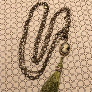 Jewelry - Ling tassel Necklace